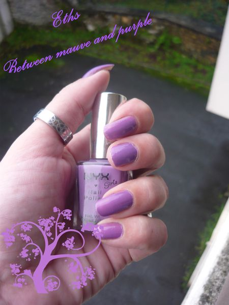 NYX girls 111 Between mauve and purple 2couches