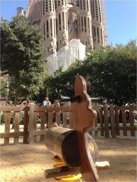 square-enfants-sagrada-familia.jpg