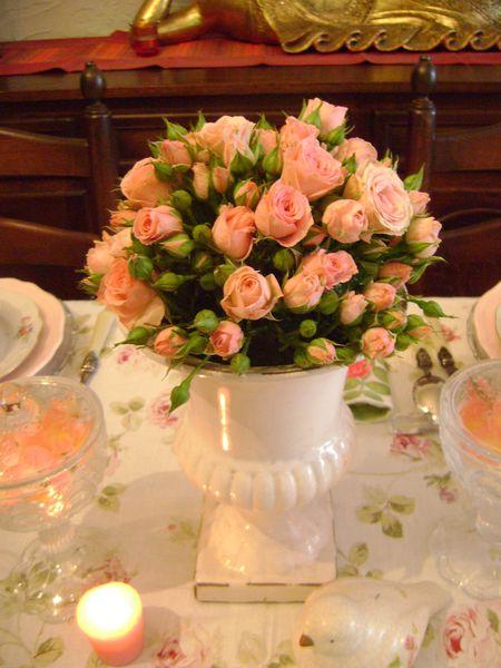 table-mignonne-allons-voir-si-la-rose-001.JPG