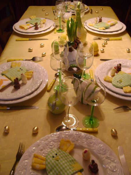 tables-paques-2013-jaune-327.JPG