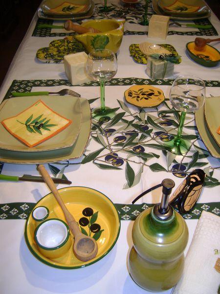 table provencale les passions de criquette. Black Bedroom Furniture Sets. Home Design Ideas