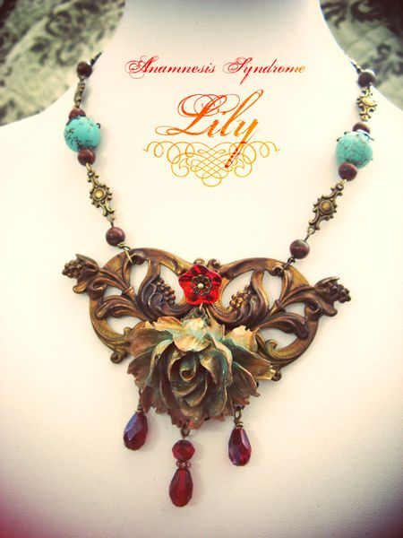 collier Lily-2