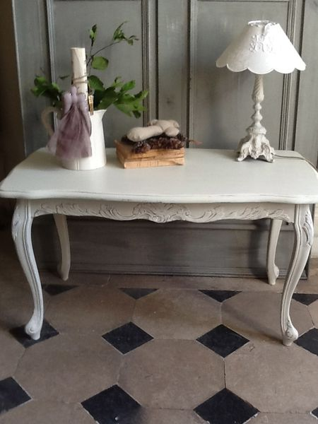 table basse style louis xv patin e blanc cr me patine et gaufre blog d coration de charme. Black Bedroom Furniture Sets. Home Design Ideas