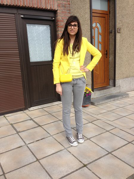 yellow---grey-1380.JPG