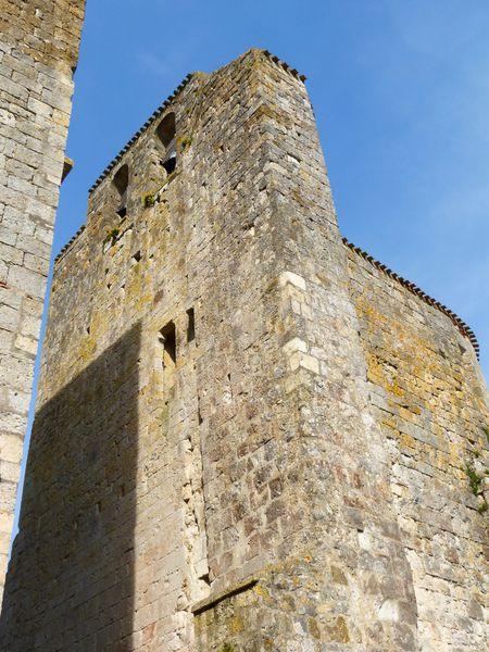 Clocher-mur de l'église de Larressingle