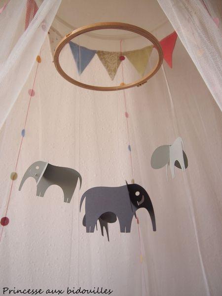 princesse-aux-bidouilles-mobile-bebe-elephants.jpg