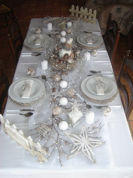 Tables noel 2010 le blog de lestresorsdemathilde for Decoration de table de noel