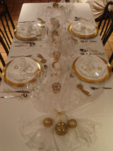 table-de-noel-blanc-et-or--2-.jpg