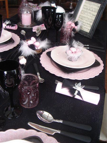 table-Paques-rose-et-noir--3-.jpg
