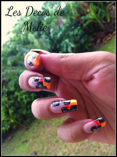 nail-art-french-neon-et-moderne-facon-NG-2.jpg