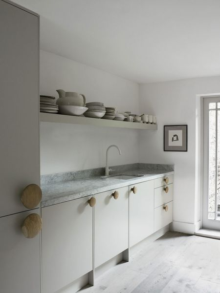 Faye-Toogood-London-Home-Photo-by-Henry-Bourne-Yel-copie-6