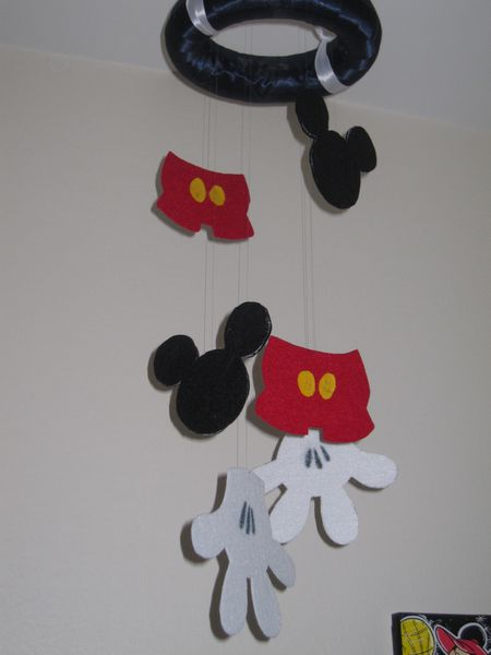 Mobile chambre mickey le blog de just1creation - Decoration mickey chambre ...