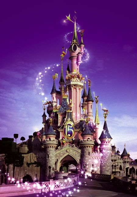 http://img.over-blog.com/450x648/5/07/64/21/dossier-1/Disneyland-Paris.jpg