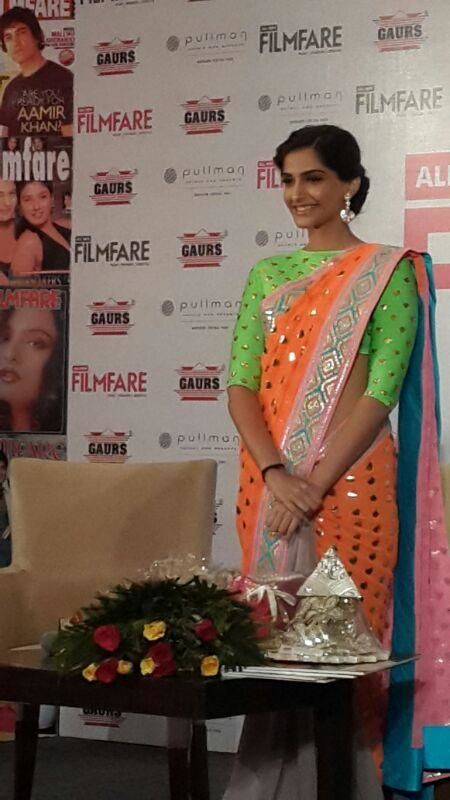 Sonam-Kapoor-unveils-the-All-New-Filmfare-9.jpg