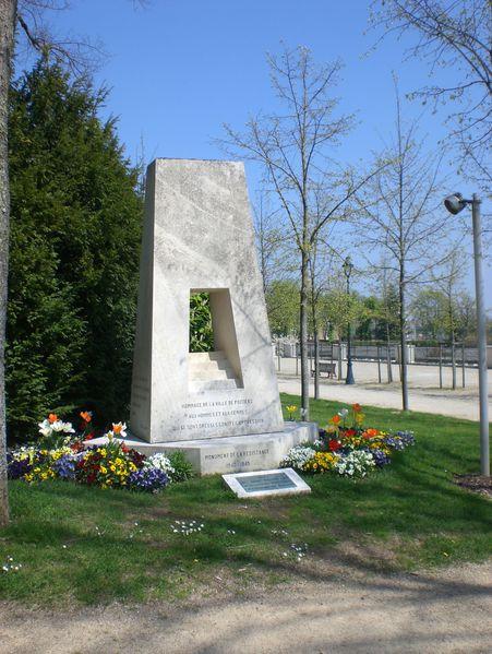 Monument-de-la-Resistance.JPG