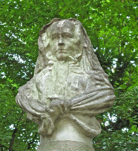 statue femme Comtesse Ségur Boucher Luxembourg