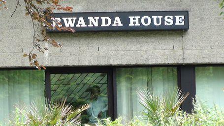 CHEIKFITANEWS-SIT-IN-AMBA-RWANDA-P1018490--20-.JPG
