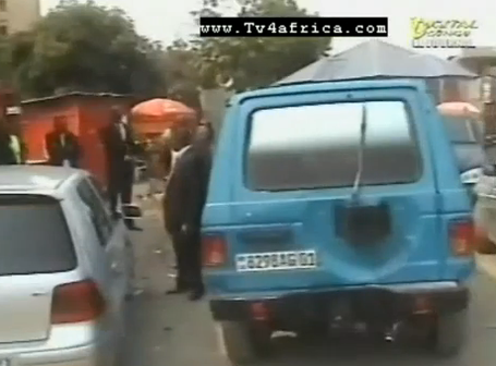 VEHICULE-ACCIDENTE-CONTRE-BUS-TRANSCO-cheikfitanews.PNG
