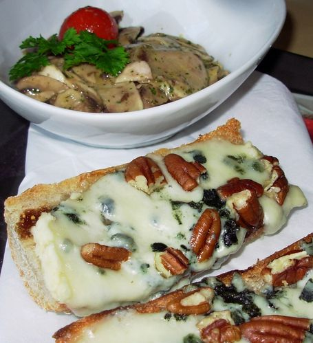 Tartines figues, roquefort & pécan3