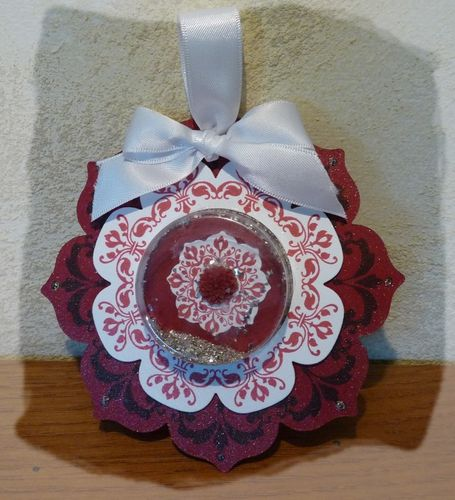 framelits-cadres-floraux-et-coupelle-1.jpg