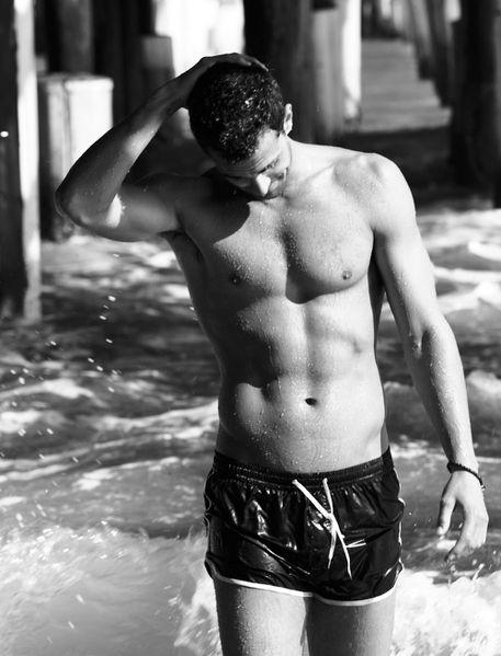 calzedonia-2012-swimwear-c1.jpg