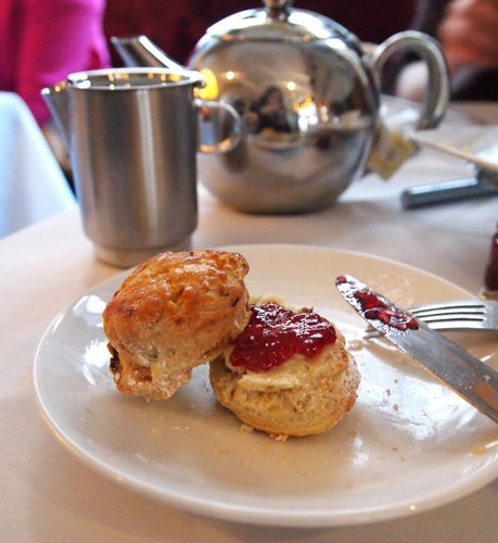 Afternoon-tea-Radison-blu-hampshire-07.12--24-.JPG