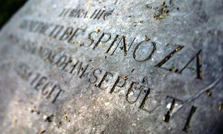 Spinoza-memorial-at-the-N-005