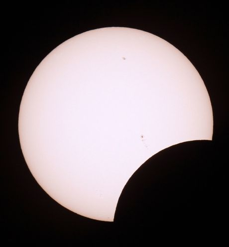 02-annular eclipse 20 may 2012 - sunspot 1484