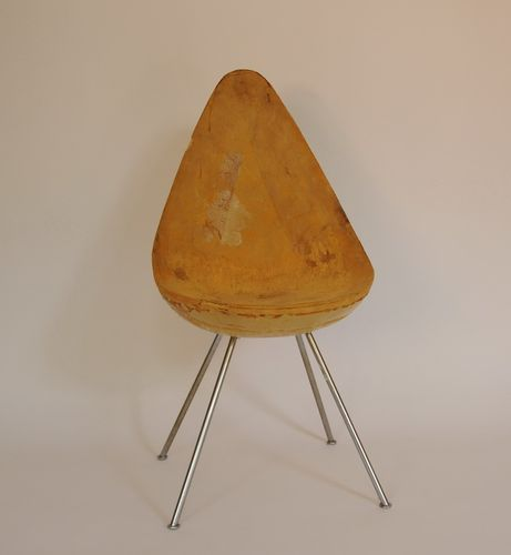 arne-jacobsen-drop-chair-for-restauration.jpg