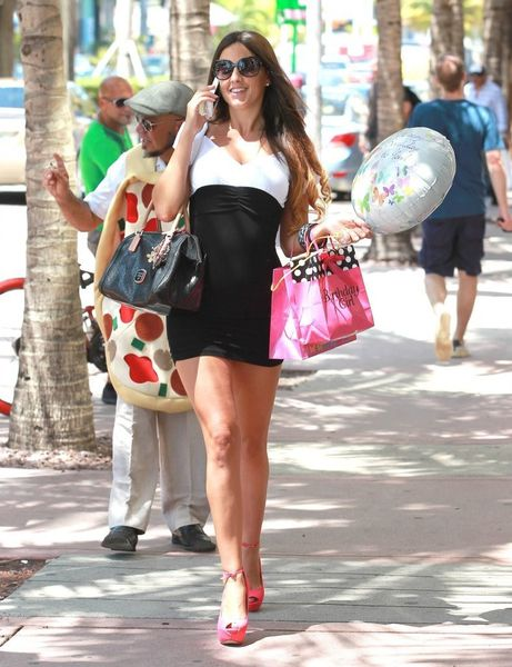claudia-romani-out-and-about-in-miami-01.jpg