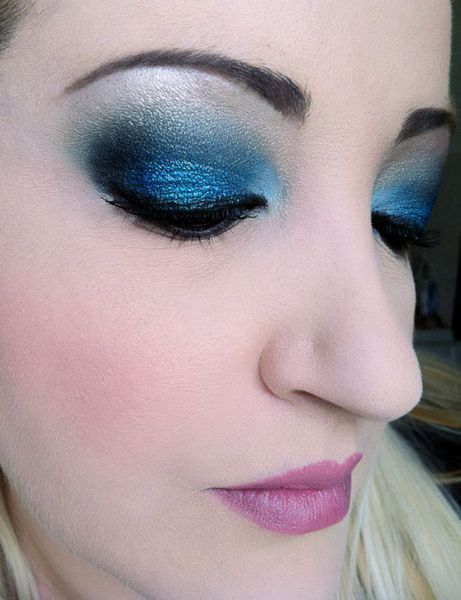 makeup-totally-blue 3245