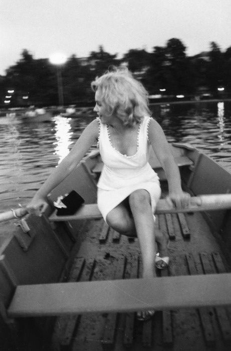 marilyn-rowing.jpg