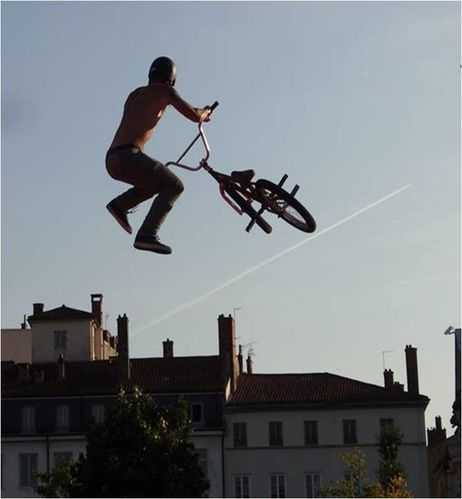 demo-bmx-lyon-place-bellecour.jpg