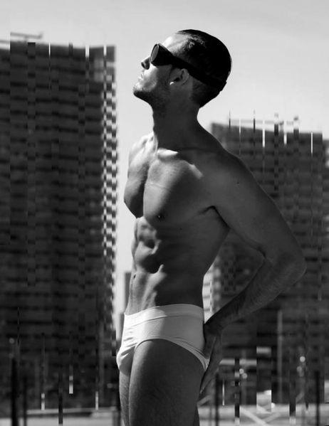 Underwear-Deconstruction-Hot-Pedro-Jimenez-Burbuj-copie-2.jpg