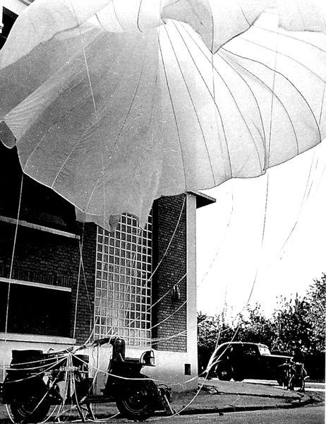 Bernardet-parachute.jpg