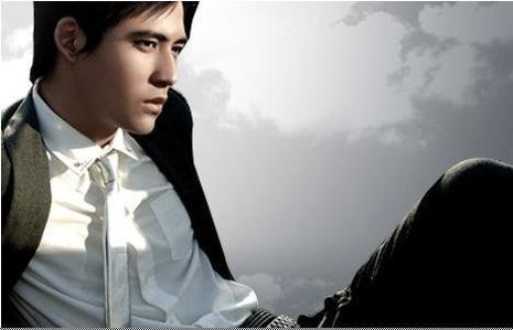 Vic Chou Silence http://milady-s-stuff.over-blog.com/article-a-l-honneur-vic-zhou-107659950.html