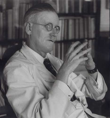 Joseph-Breitenbach--James-Joyce--Paris--1937.jpg