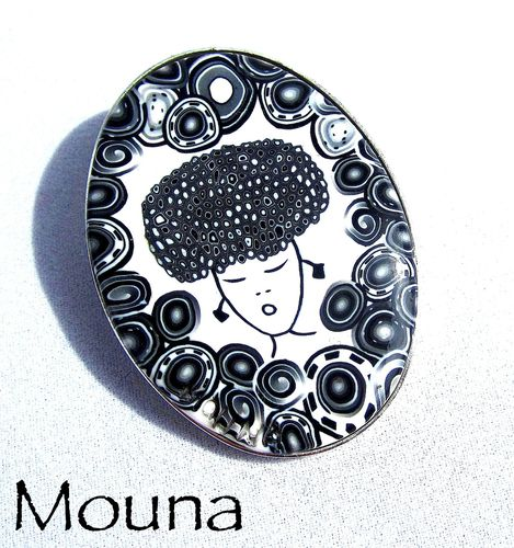 Broche Russian girl 2 DISPONIBLE: 18 euros.