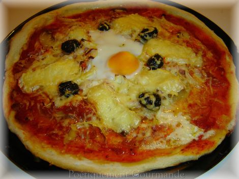 pizza à l'oeuf