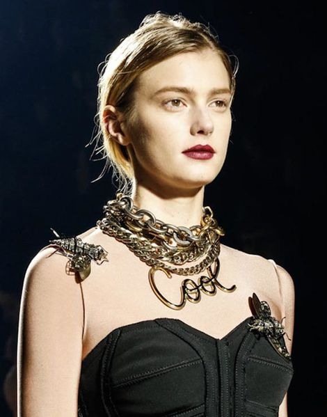 lanvin_collier_message_cool.jpg