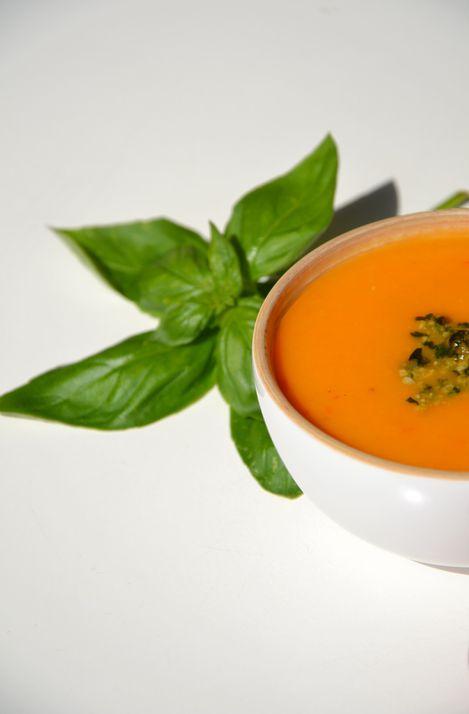 Soupe-froide-tomate-pesto1.JPG