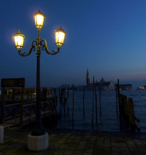 night-venise-light.JPG
