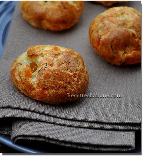 http://img.over-blog.com/472x515/2/38/78/89/aout-2012/gougeres-saumon-fromage.jpg