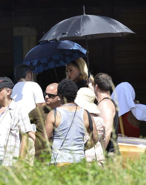 20120618-pictures-madonna-turn-up-the-radio-set-76