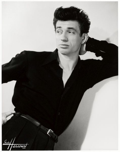 Yves Montand 01