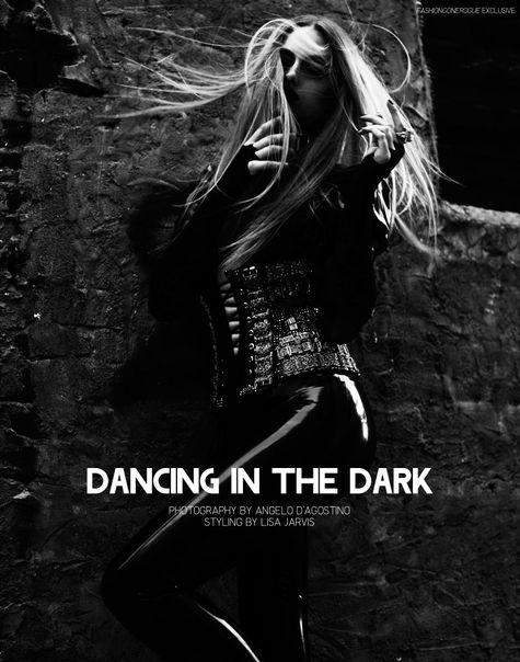marcelina dancing in the dark
