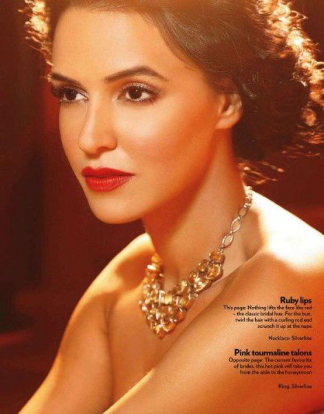 Neha-Dhupia-pose-pour-Marie-Claire-India--Octobre-2011--5.jpg