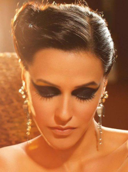 Neha-Dhupia-pose-pour-Marie-Claire-India--Octobre-2011--8.jpg