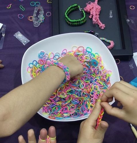 enfants-rainbow-loom-.jpg
