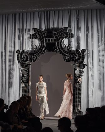 spring-summer-haute-couture-2011-show-01.jpg